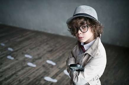 Image of a detective.